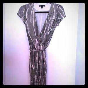 NWOT Banana Republic Black/White Print Wrap Dress
